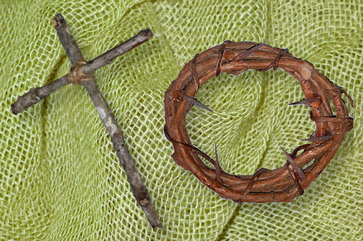 DIY Easter Projects Crown of Thorns & Rustic Cross | Fluster Buster
