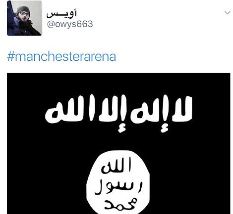 A conta do Twitter também postou esta imagem da bandeira ISIS com a hashtag 'Manchester Arena'
