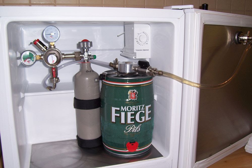 Smeg Mini Kühlschrank Jägermeister : Liebherr kühlschrank mit zapfanlage mcadams kara