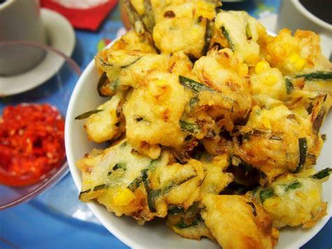 cucur ikan bilis rangup  lembut resepi masakan malaysia