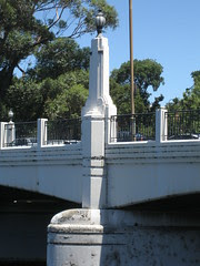 Pylon, Hoddle Bridge, Richmond