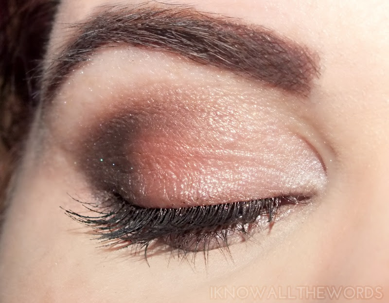 wearing Avon Eye Dimensions Eyeshadow in Neutral Haze (1)