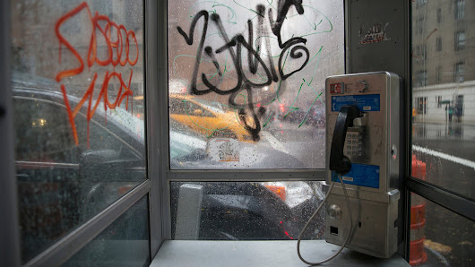 Pay Phones in New York City Will Become Free Wi-Fi Hot Spots - NYTimes.com