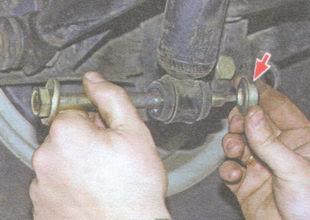 статья про Замена амортизатора задней подвески на автомобиле ВАЗ 2106