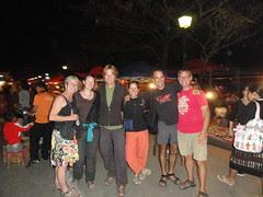 6 fietsers samen in Luang Prabang