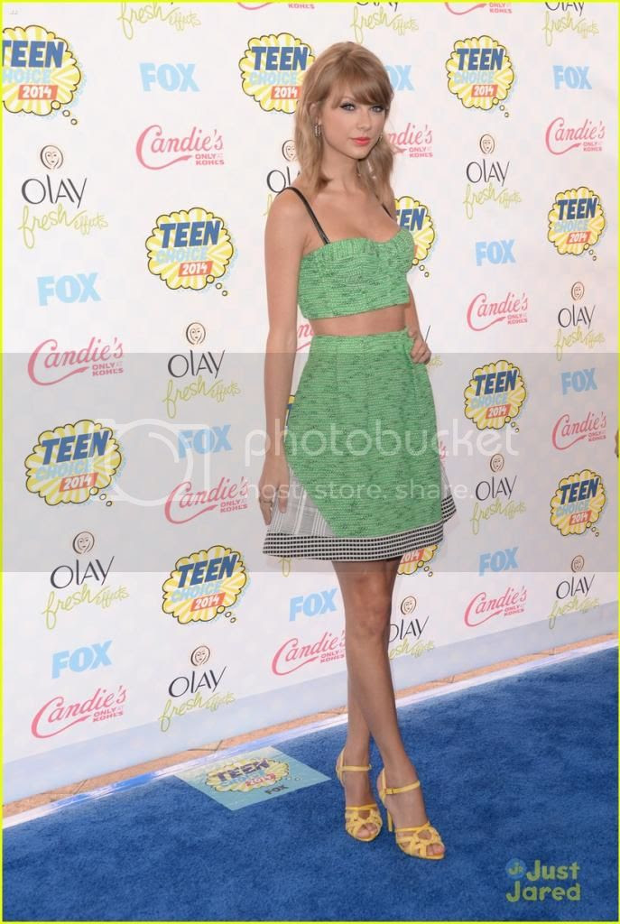 2014 Teen Choice Awards: Blue Carpet Round Up photo taylor-swift-2014-teen-choice-awards_zpsf40a3289.jpg