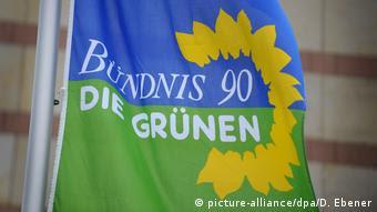 Fahne Bündnis 90/Die Grünen (picture-alliance/dpa/D. Ebener)