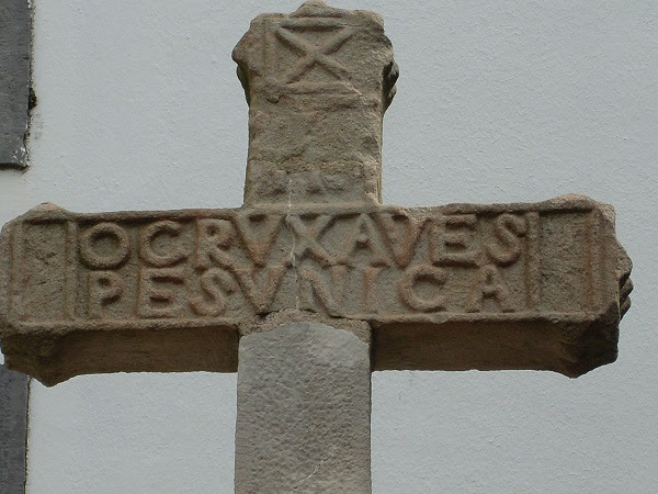 Risultati immagini per Croce di Hendaye FULCANELLI