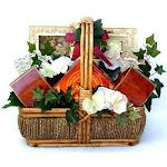 In Sympathy: Bereavement Gift Basket Large GI299363