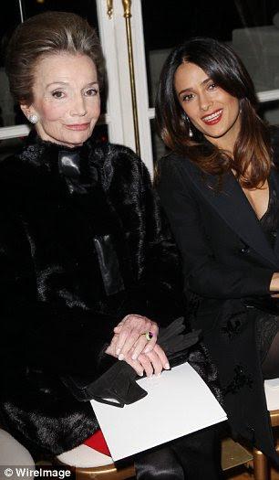 Convidados da celebridade: Lee Radziwill (à esquerda), o maven sociedade e irmã mais nova de Jackie Onassis, Salma Hayek e Diane Kruger (direita), fez a primeira fila no evento exclusivo, que foi realizada no Hotel Crillon de