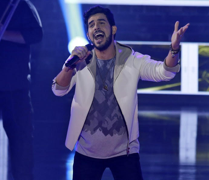 Alexey Martinez cantou Alejandro Sanz (Foto: Artur Meninea/Gshow)