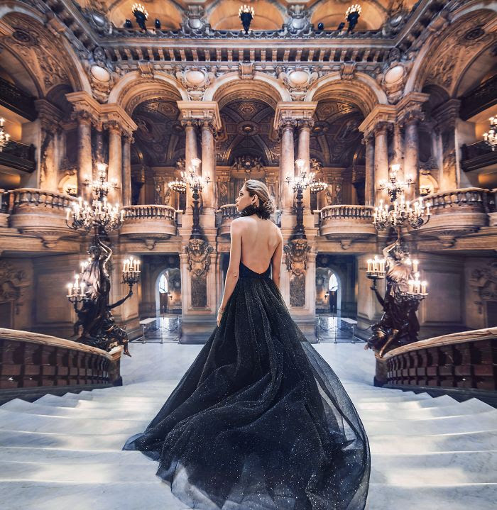Opera Palais Garnier, París, Francia. Modelo: Vera Brezhneva