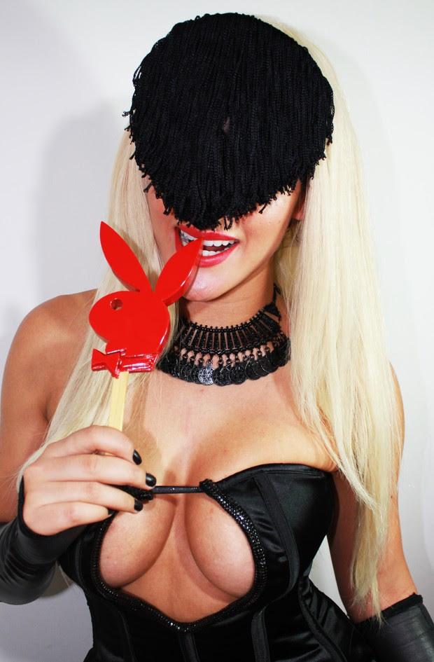 Paparazzo Misteriosa assina contrato com a Playboy (Foto: Divulgação)