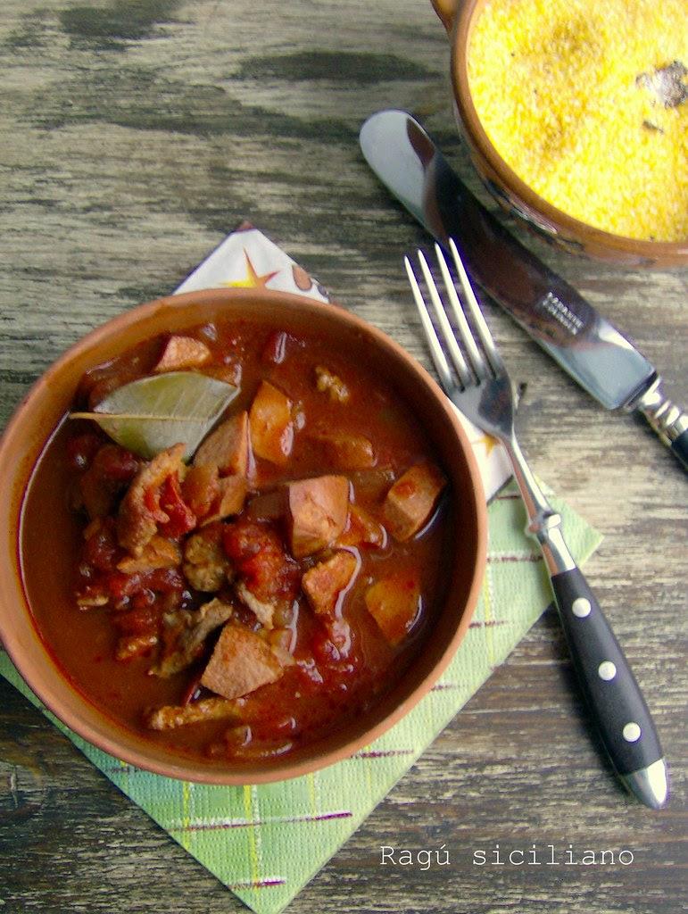 Ragú siciliano con polenta a la trufa