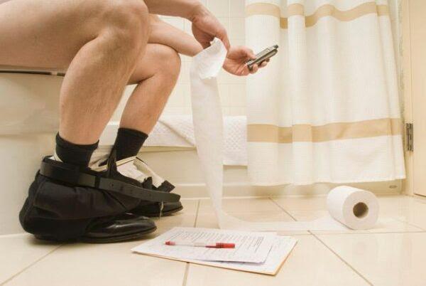 Coisas nojentas que você faz no banheiro