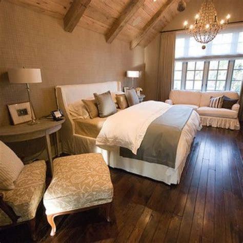 vaulted ceiling bedroom ideas  pinterest