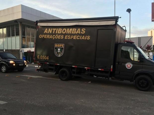 Não foram encontrados explosivos com suspeito (Foto: Maiana Belo/G1)
