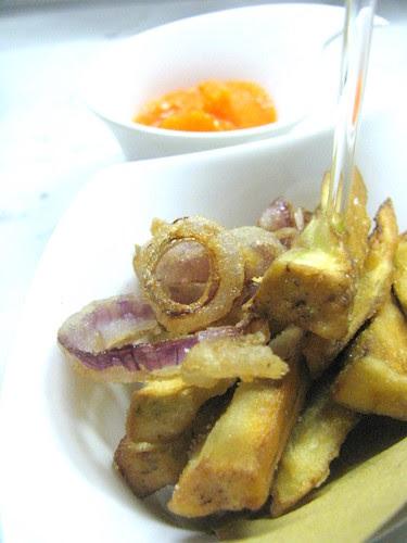 Verdure fritte e sorbetto di peperoni