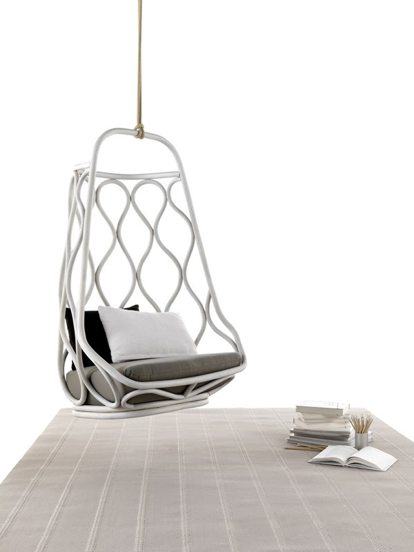 Náutica Hanging Chair by Mut Design | InteriorHolic.