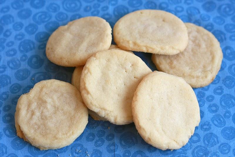 Runs With Spatulas: Simple Sugar Cookies