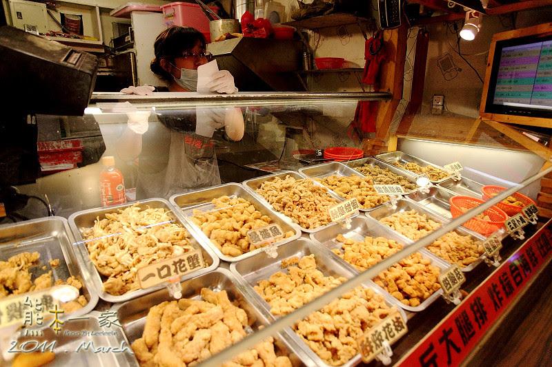 宜蘭羅東夜市小吃|米糕陳|赤炸風雲12盎司超大雞排