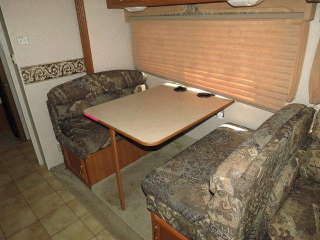 Used2002 Coachmen Leprechaun Class C For Sale