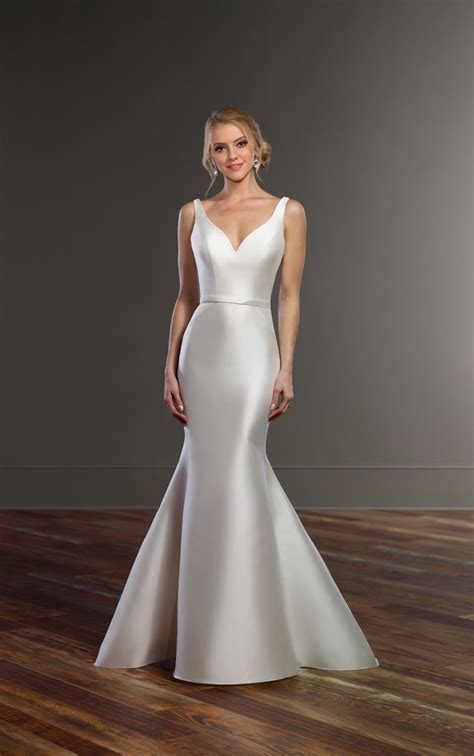 Structured Wedding Dress with Double Back Straps   Martina