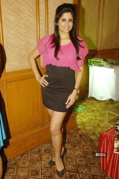 Malayam Bollywood Actress Hot Wallpapers Photos Pictures -9570