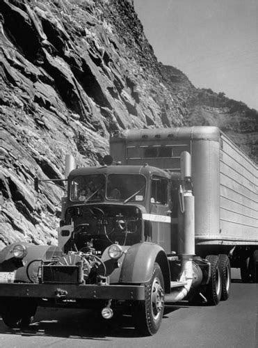 1950 KENWORTH 500 / BOEING, 175hp gas turbine. Even though