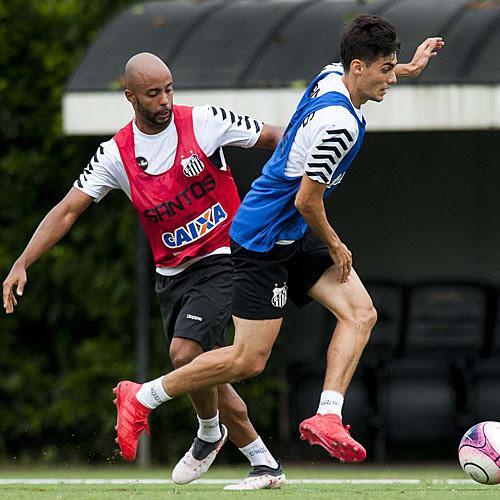 Atletas do Santos treinam no CT Rei Pel eacute  de8842babe