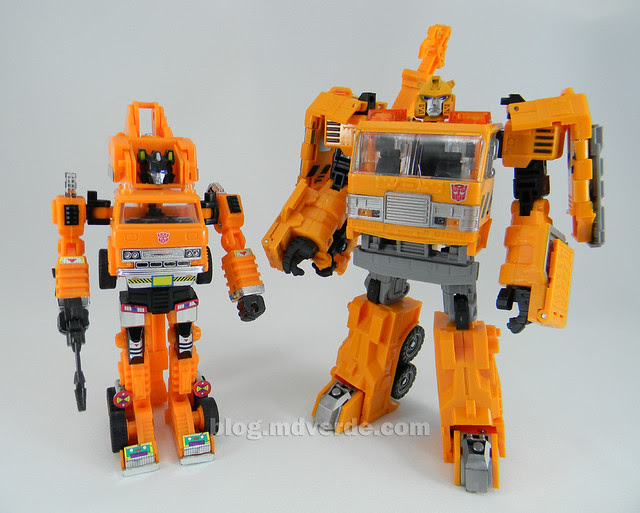 Transformers Grapple United Voyager - modo robot vs G1