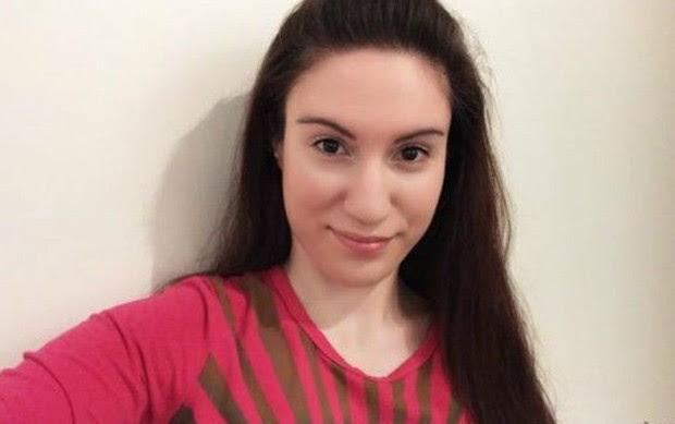 Joanna Giannouli tinha 16 anos quando descobriu problema (Foto: Arquivo pessoal/BBC)