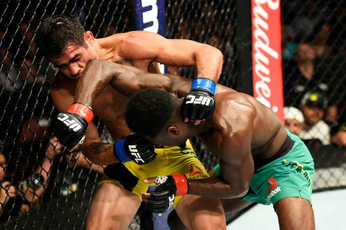 Aljamain Sterling x Renan Barão UFC 214 (Foto: Getty Images)
