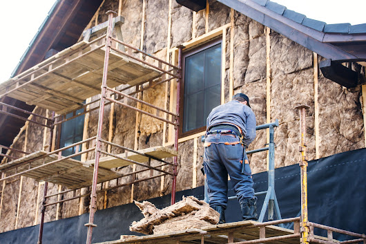 3 Quick Safety Tips for Checking Moisture in Insulation
