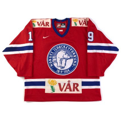 1999 Norway jersey photo Norway1999F.jpg
