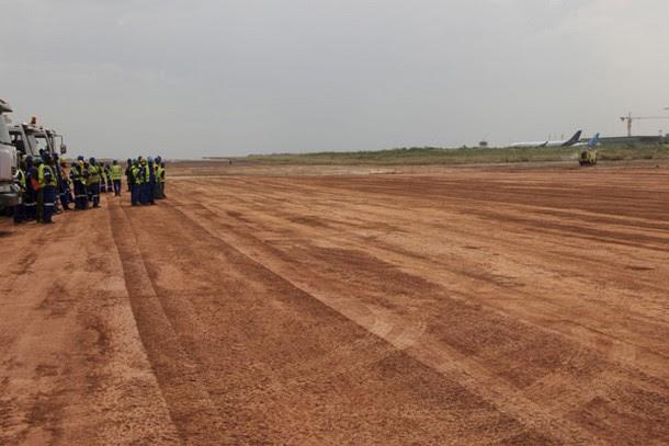 Construction of the runway at Bamako Sénou Airport, Mali