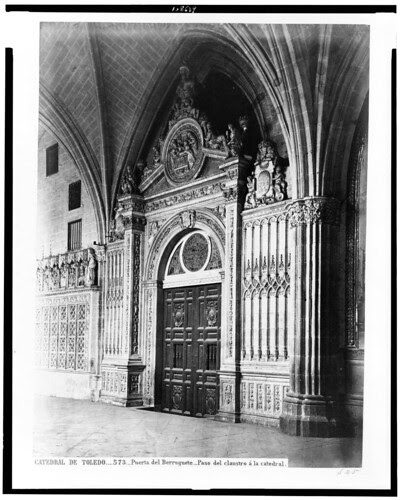 Catedral de Toledo (Puerta de Berruguete) en el siglo XIX. Fotografía de Jean Laurent. The Library of Congress of the United States of America