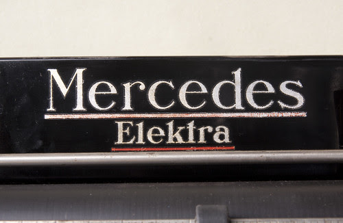 Mercedes Elektra Schreibmaschine logo