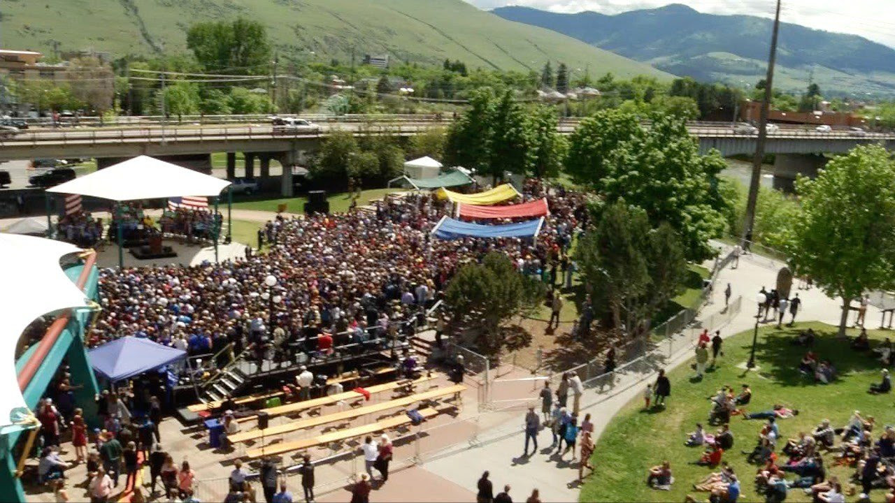 Sanders forcibly delivered his message to an audience estimated at more than 8,000 people in Missoula Wednesday. (MTN News photo)