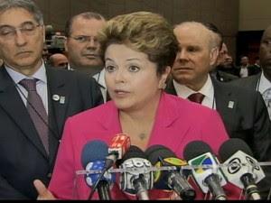 Dilma Rousseff diz que não vai comprometer o  crescimento do Brasil para combater inflação (Foto: Reprodução Globo News)