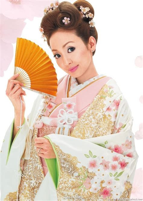 Japanese Wedding Dresses   Wedding Style Guide