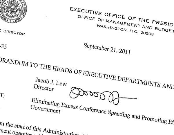 Assinatura do indicado a secretário do Tesouro dos EUA, que deve estar nas notas de dólar, é alvo de piada. (Foto: AP Photo/The White House)