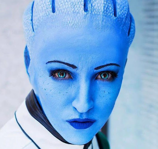 Micaela D of Arizzel Cosplay as Liara T'Soni