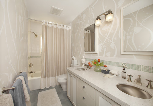 What's a better shower enclosure-shower door or shower curtain ...