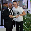 There was only One Direction for Liam Payne this Christmas ... the curry house! Singer enjoys non-traditional dinner at his local Indian restaurant