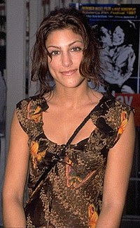 Jennifer Esposito.jpg