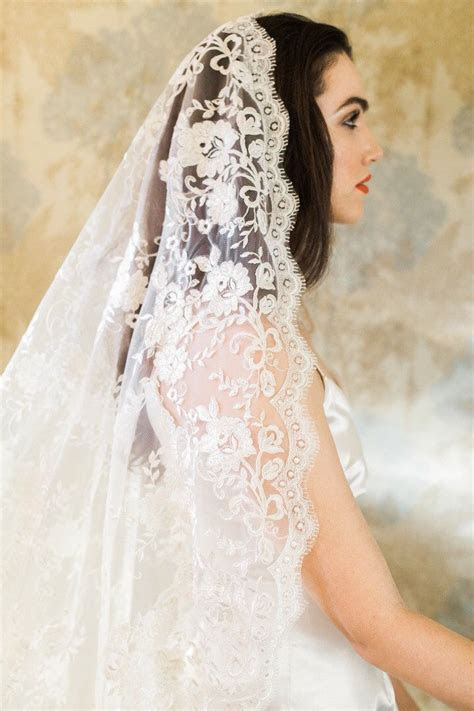 25  best ideas about Vintage veils on Pinterest   Birdcage