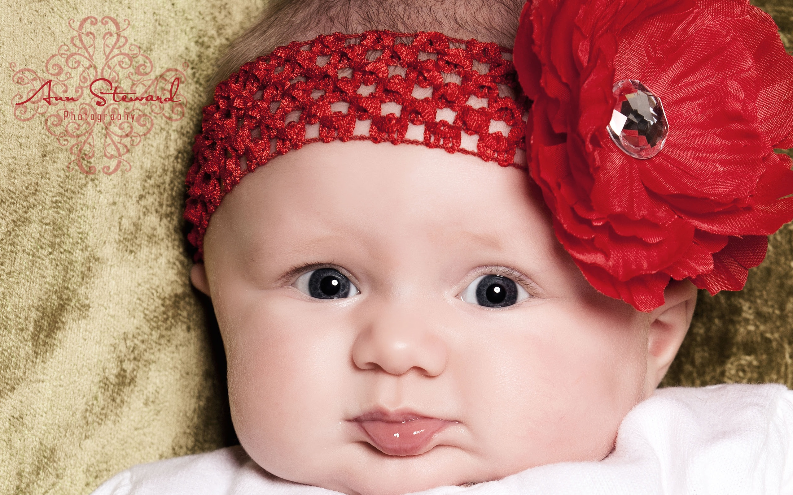 Super Cute Little Baby Wallpapers In Jpg Format For Free Download