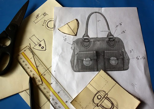 Making templates for the bag cake