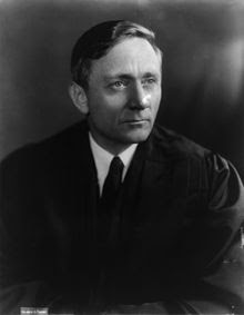 http://upload.wikimedia.org/wikipedia/commons/thumb/e/ea/Justice_William_O_Douglas.jpg/220px-Justice_William_O_Douglas.jpg
